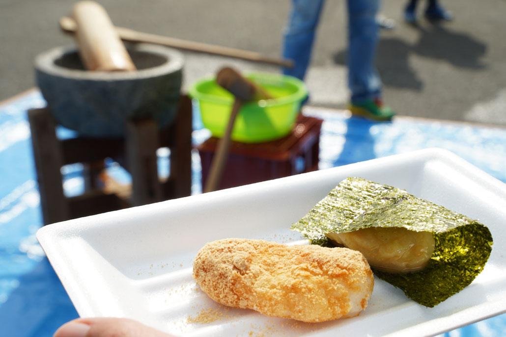 宇治ソレイユマルシェ 餅つきの写真