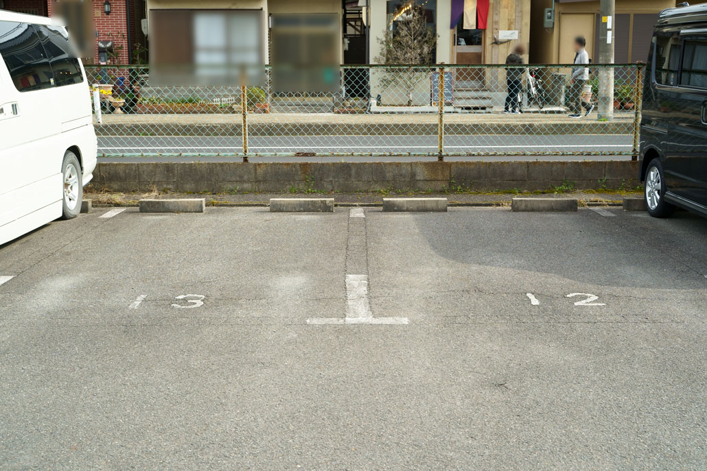 MIMAKI-駐車場
