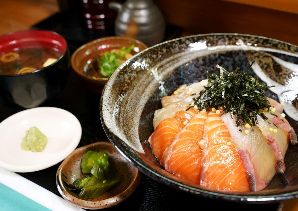 美味処司 海鮮丼の写真