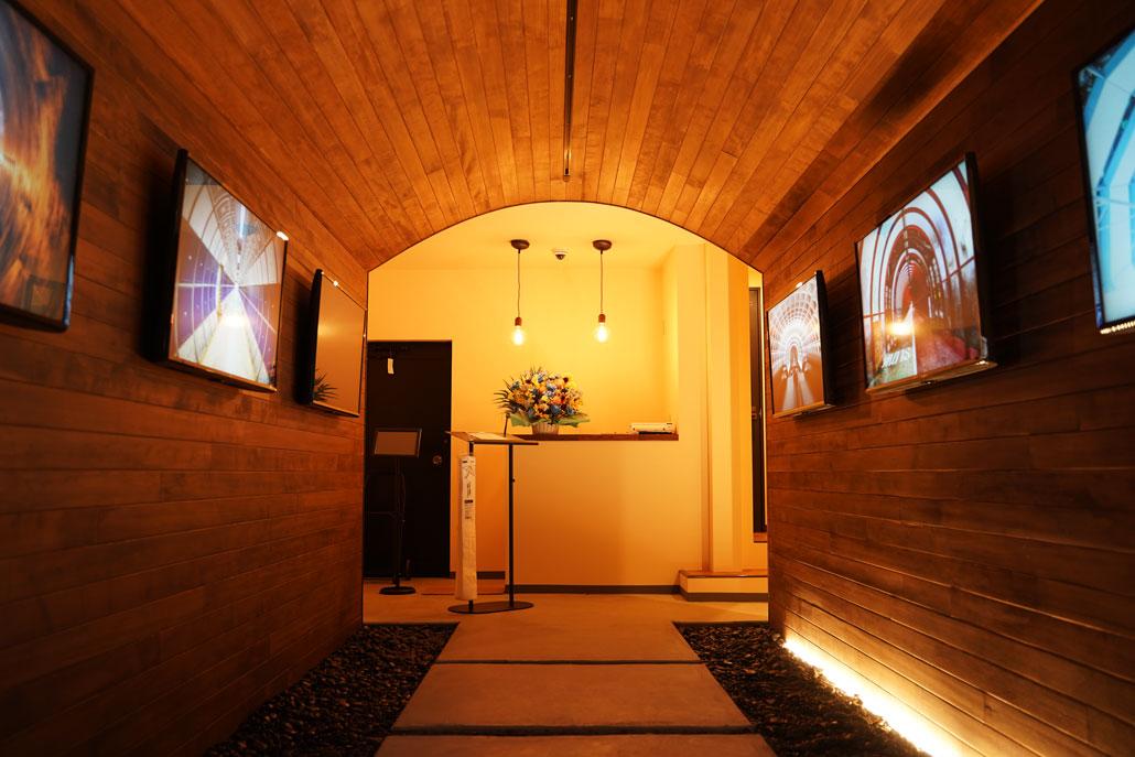 トンネルカフェ1F