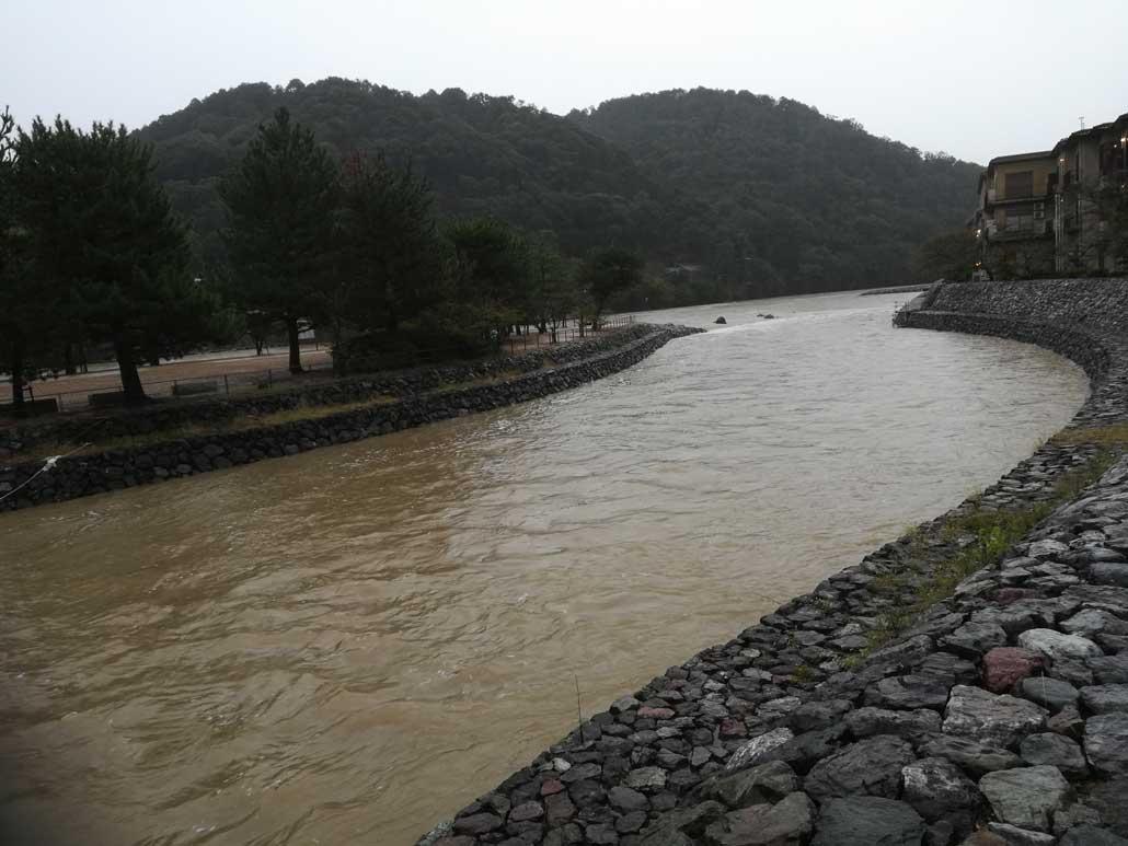 台風19号、宇治川の画像2