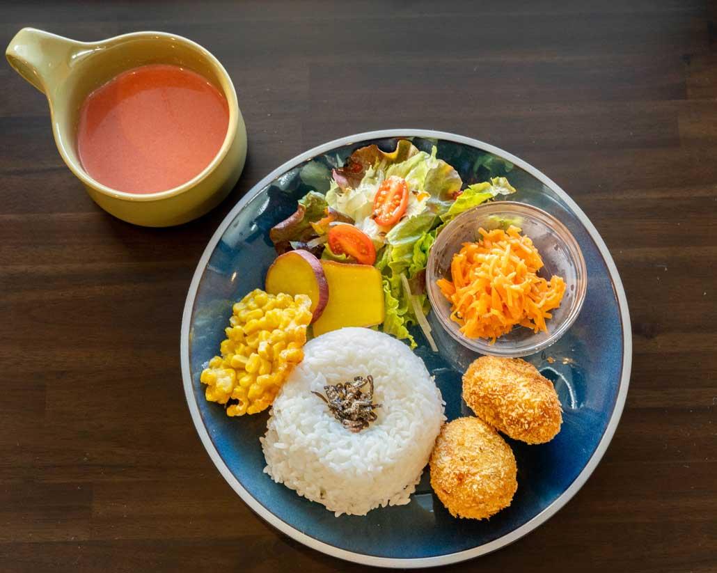 マカリナ食堂ランチ画像