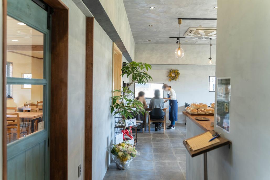 「Paint Cafe / ペイントカフェ」店内画像1
