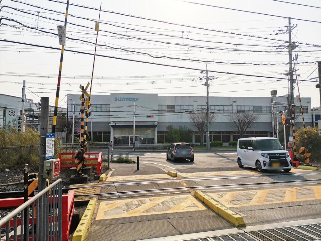 JR長池駅北側の踏切近くの信号の画像2
