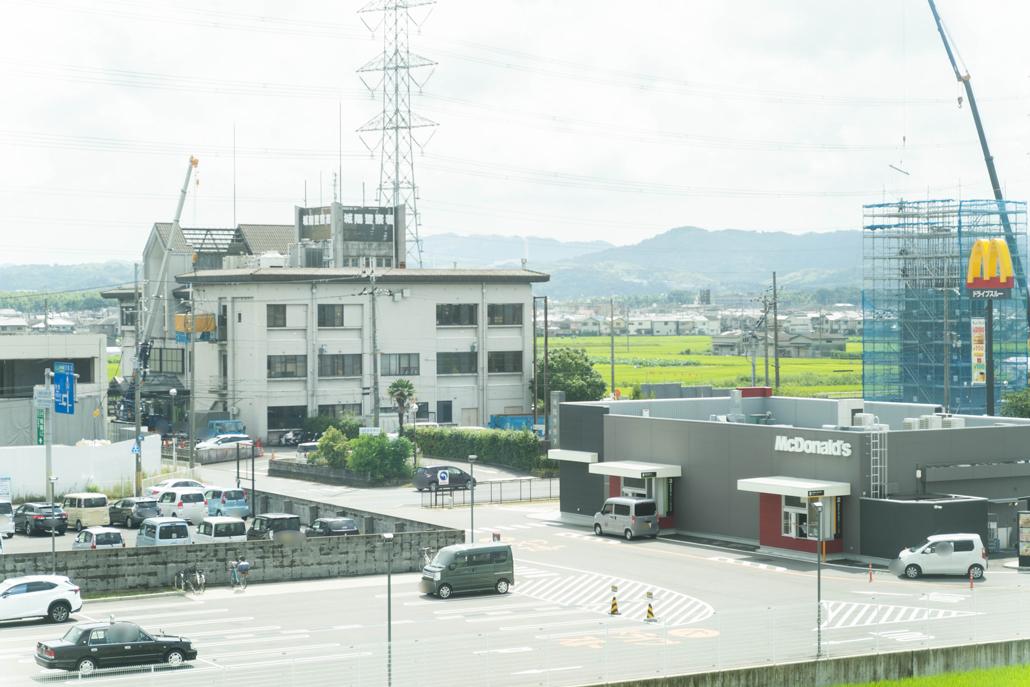 京都府城陽警察署新庁舎から見た旧庁舎の画像