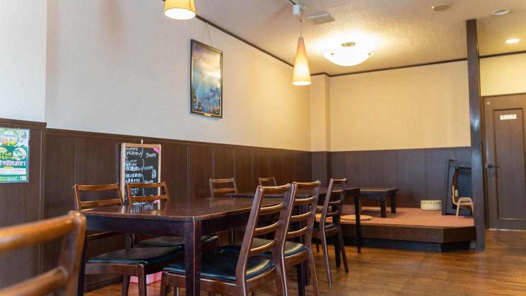 「レストラン平和」店内画像