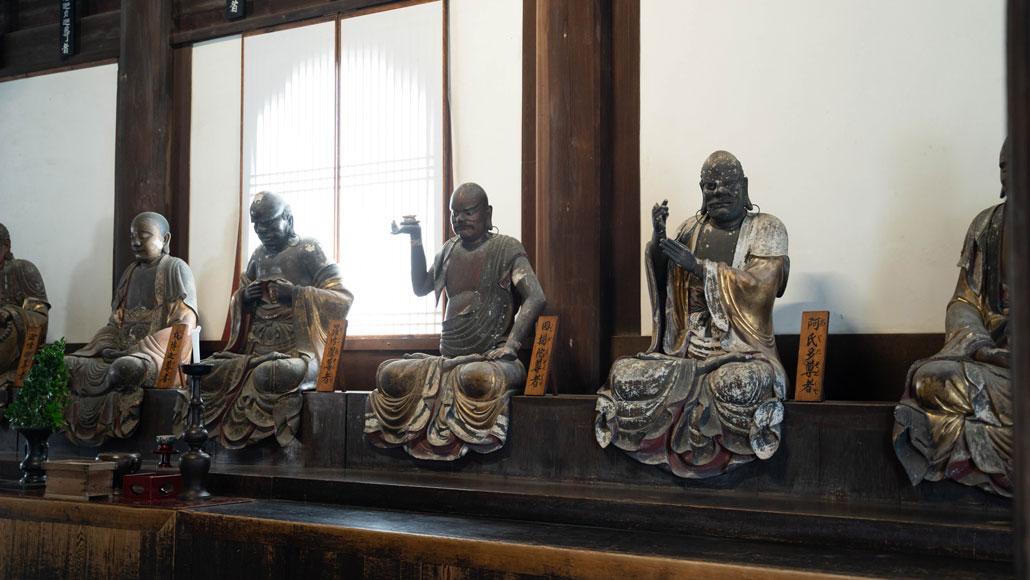 「十八羅漢(らかん)像」の画像