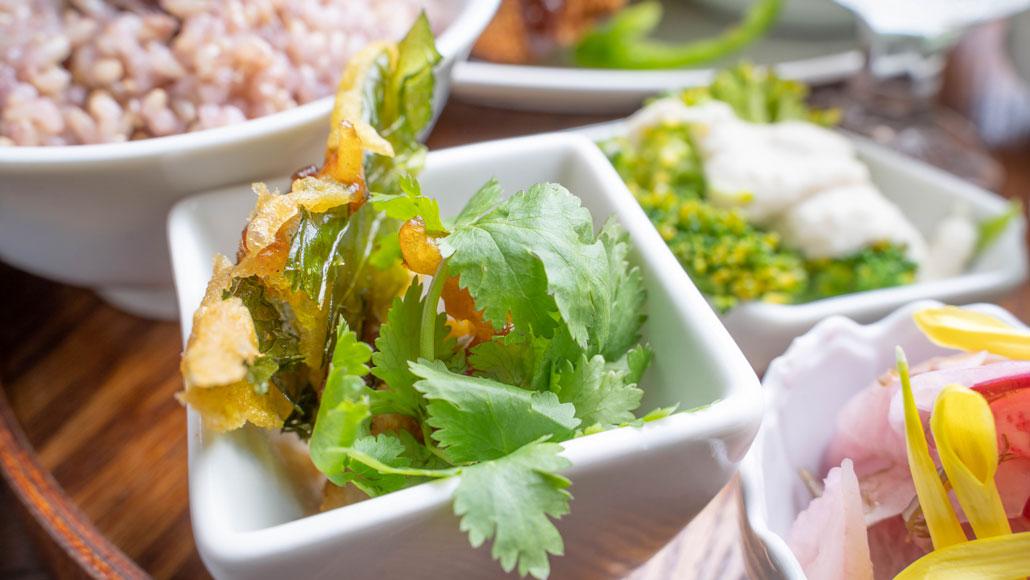 「食堂 山小屋」かぶの葉っぱのフライの画像