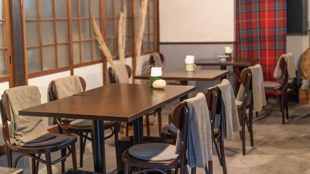 「食堂 山小屋」テーブル&椅子の画像