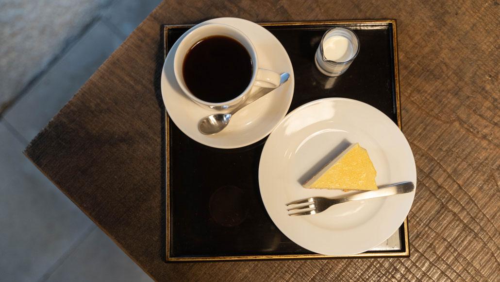 「茶房 吉祥庵」チーズケーキ&珈琲の画像