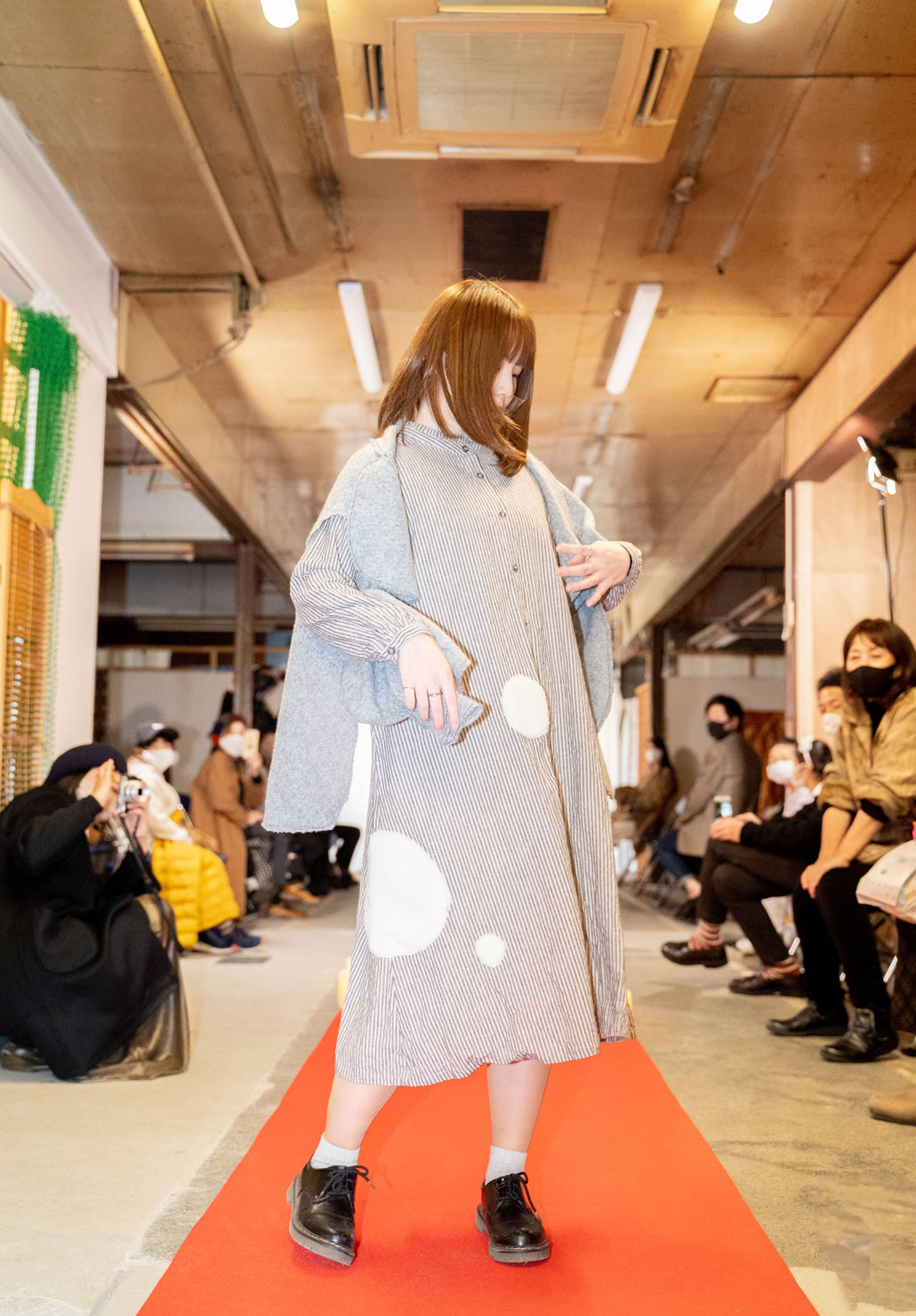 「ねこのしっぽのオンリーワンアイテム LIVE」女性モデルの画像3