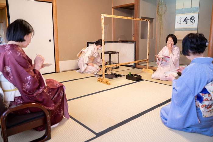 宇治市営茶室「対鳳庵」広間茶席の画像