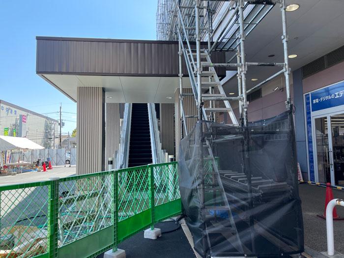 イオンタウン久御山の新設エスカレータ画像