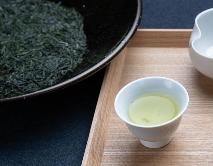 「お茶のかんばやし」さんの新茶と茶葉の画像