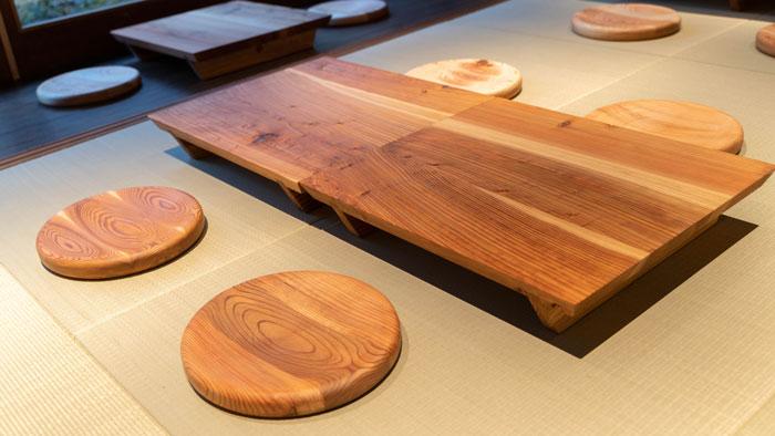 「カレー設計事務所」テーブルなどの画像
