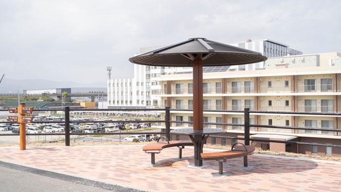 岡本記念病院の近くの休憩所