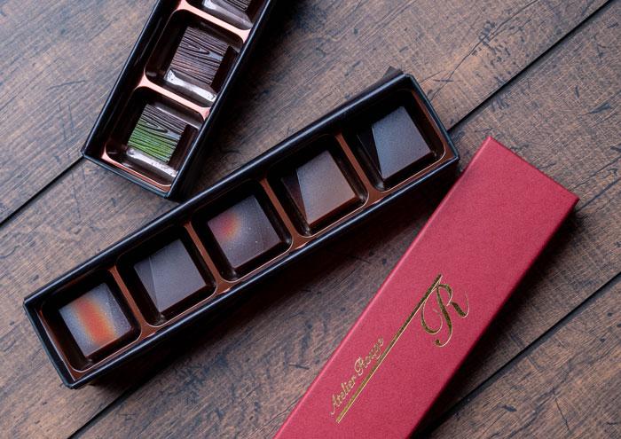 「Atelier Rouge」箱に入ったショコラの画像