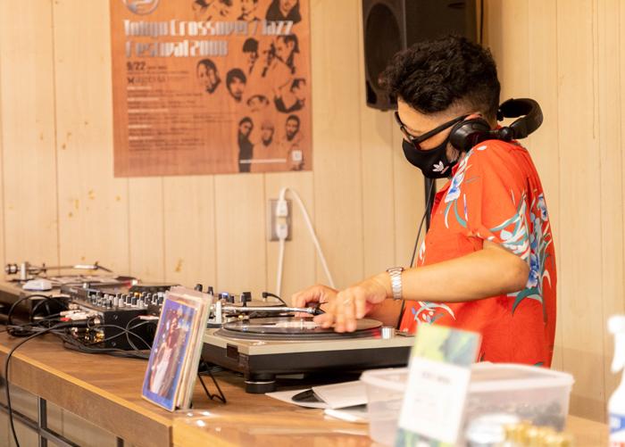 沖野修也氏DJ画像2