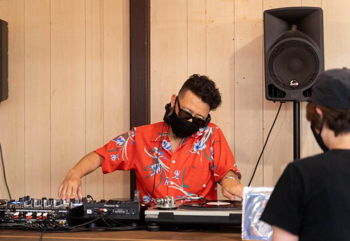 沖野修也氏DJ画像1