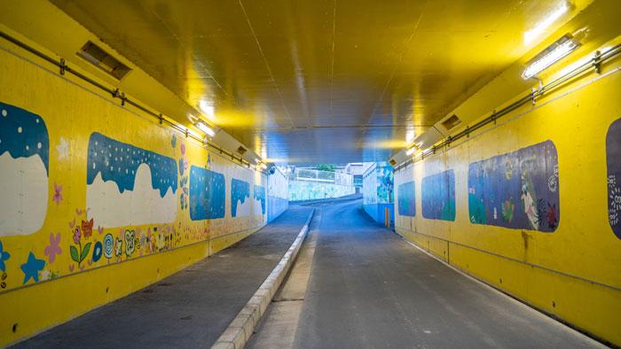ネコバストンネルの中の画像1