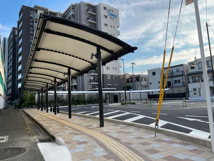 寺田駅西側のロータリー歩道画像1