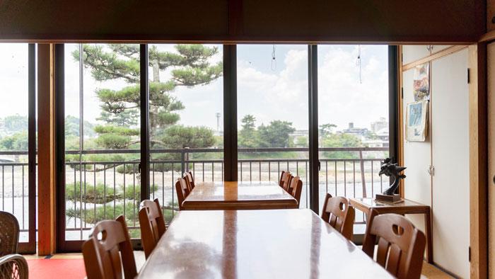 茶房「櫟」さん二階の画像