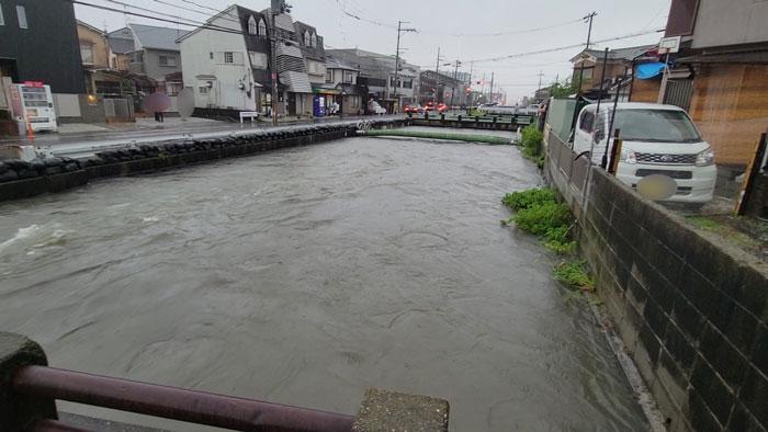 井川付近の大雨画像1