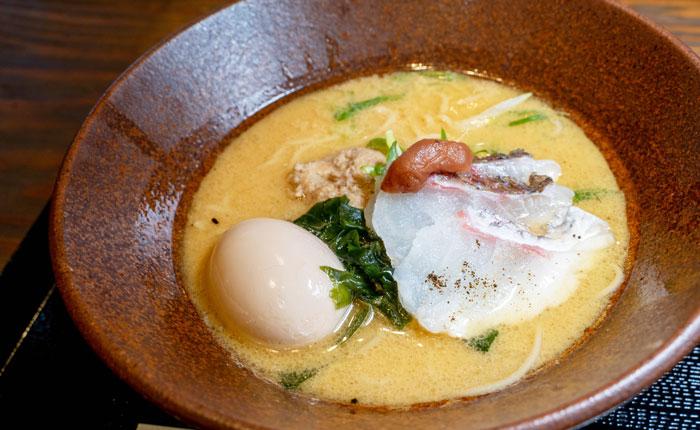 「鯛らぁめん煮卵」の画像